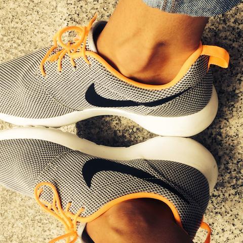 Rosh Runs  - (Mode, Schuhe, Nike)