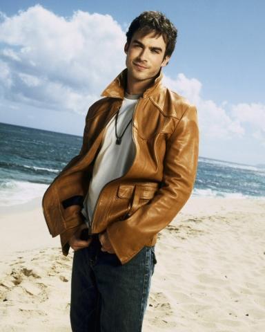 - (Vampire Diaries, Hot)