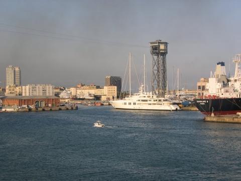 Barcelona Hafen mit teleférico - (Sprache, spanisch)