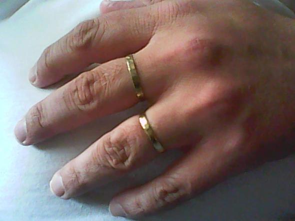 Ring Am Mittel Oder Ringfinger Wurde Es Einen Unterschied