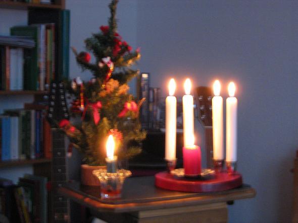 k nstlicher weihnachtsbaum von aldi kuenstlicher. Black Bedroom Furniture Sets. Home Design Ideas
