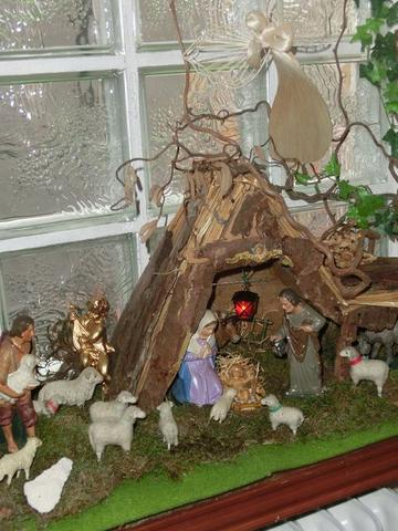 Krippe - (Weihnachten, Dekoration, Deko)