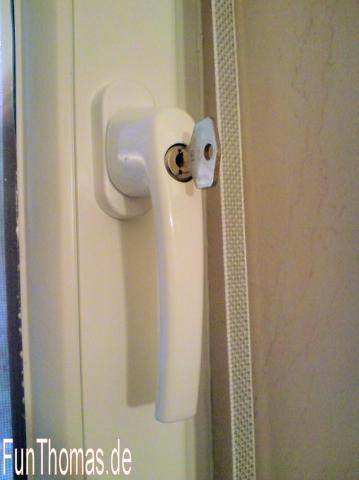 Abschliebarer Fenstergriff mit Schlüssel... - (Recht, Hausratversicherung, Versicherungsschutz)