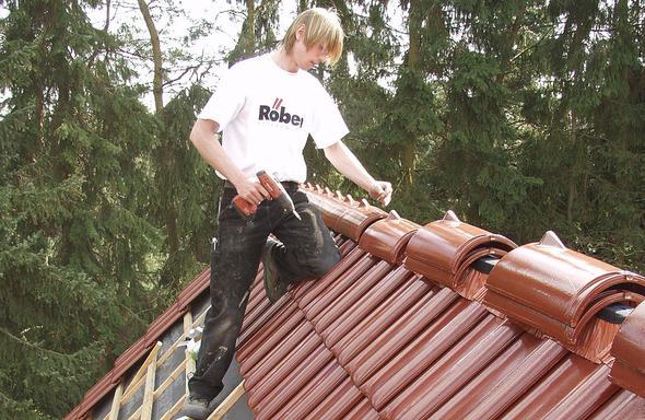 Dachziegel halten mindestens ein Häuserleben lang - (Hausbau, Dach)