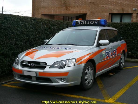 Auto - (Polizei, Fahrzeug, Blaulicht)