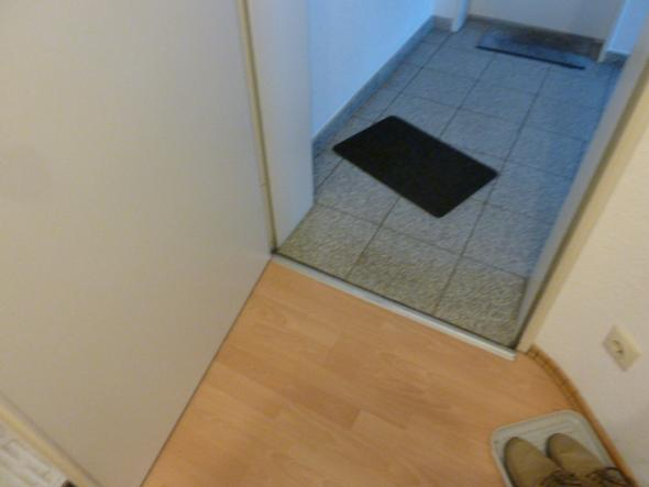 welche handwerker ersetzen t rdichtungen gegen klapperger usche wohnung haus t r. Black Bedroom Furniture Sets. Home Design Ideas