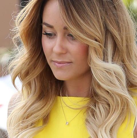 So finde ich es echt schön und für deine Hautfarbe und mit locken super  - (Mädchen, Haare, Frauen)