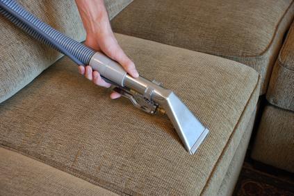 auto polsterreinigung wie bekommt man schmutz am besten aus den sesseln reinigen. Black Bedroom Furniture Sets. Home Design Ideas