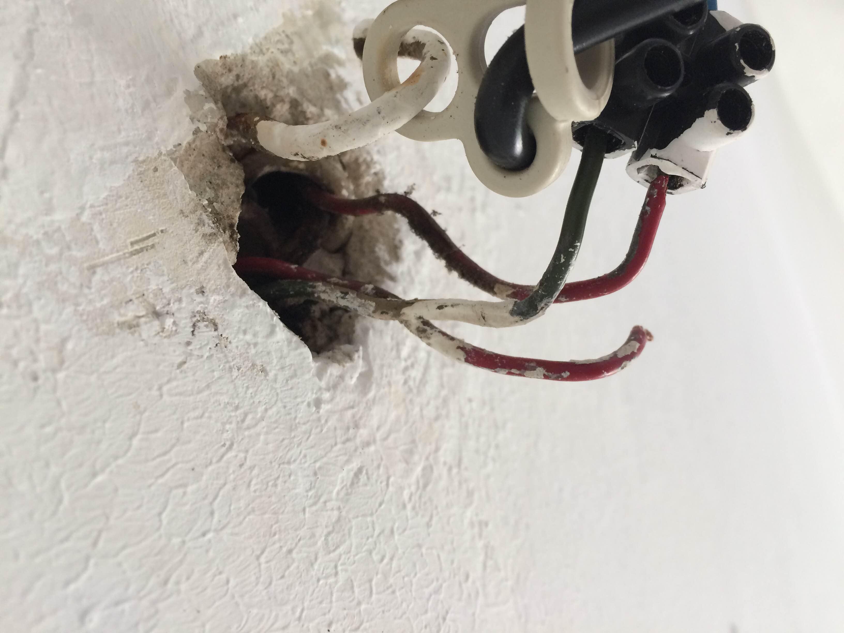Anschluss lampe decke   verwirrende kabel (elektronik ...