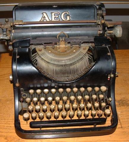 01 - (Schreibmaschine, Tastaturbelegung, alte Tastenbelegung)