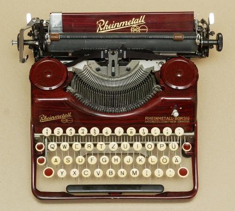 02 - (Schreibmaschine, Tastaturbelegung, alte Tastenbelegung)