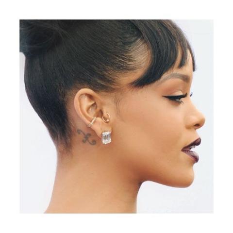 Wo Bekomme Ich So Ein Ohrclip Wie Rihanna Und Wie Hei 223 T Er