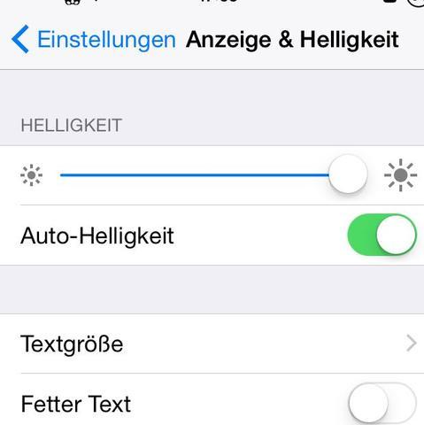 Einstellungen>Anzeige & Helligkeit>Auto-Helligkeit - (iPhone, Display, automatisch)