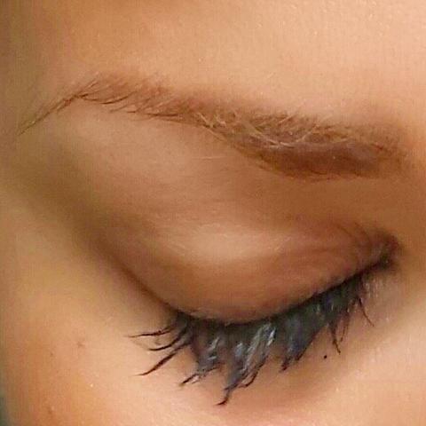 - (Make-Up, Schminke, Wimpern)