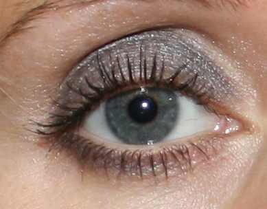 Hier in grautönen geschminkt - (Augen, Schönheit, Schminke)