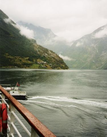 Im Geirangerfjord - (Traurigkeit, Deprimiert, fernweh)