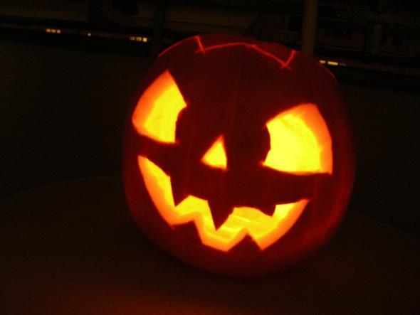 wann schnitzt ihr euren k rbis f r halloween k rbis schnitzen. Black Bedroom Furniture Sets. Home Design Ideas