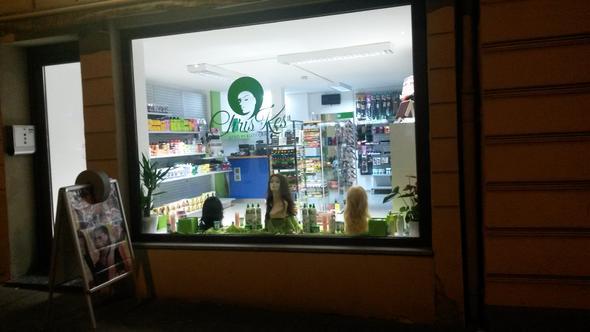 Schaufenster - (Haare, Beauty, Shop)