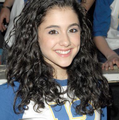Da war sie 15 Jahre alt - (Musik, Youtube, Schauspieler)