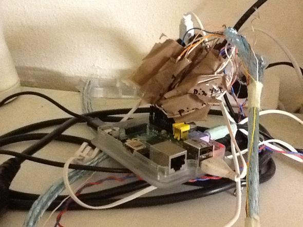 Schlüsselsystem - Auf schrank versteckt - (Server, Linux, Raspberry pi)