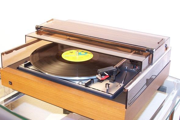 Für den Sperrmüll: Opas Dual Plattenkratzer - (Musik, Technik, Geschenk)
