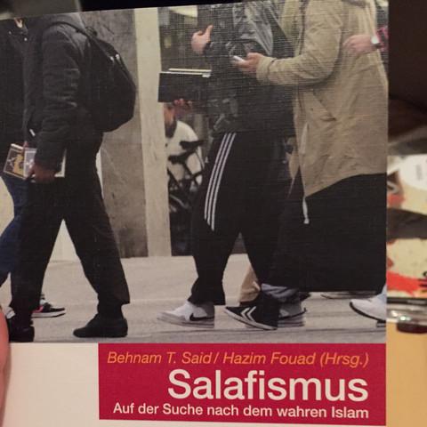 Kriegst du beim Link oben für 4,50, sehr informativ  - (Religion, is, Salafismus)