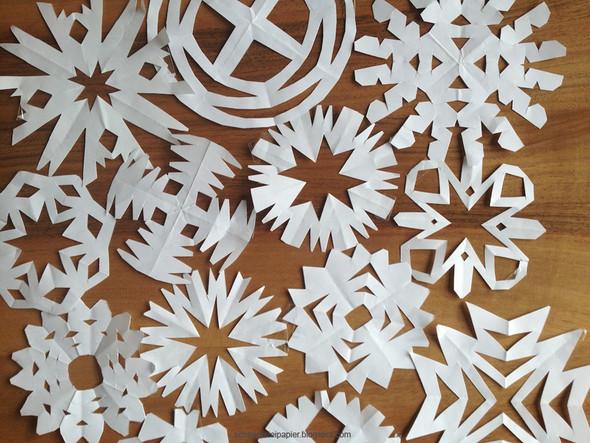 Schneeflocken! - (basteln, Zeitung, Recycling)