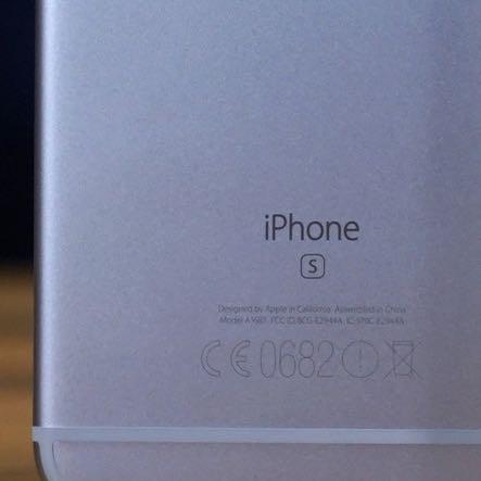 Beim i phone 6s steht ein s - (iPhone, Apple, Farbe)