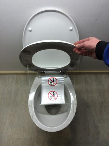 - (Männer, Toilette)