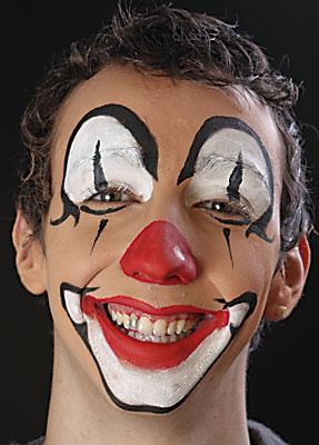 clownsgesicht schminken wie sollte das auf jeden fall aussehen fasching verkleidung clown. Black Bedroom Furniture Sets. Home Design Ideas