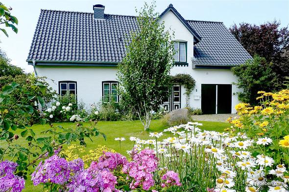 warum sind eigentlich dachziegel horizontal gebogen haus. Black Bedroom Furniture Sets. Home Design Ideas