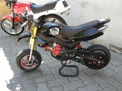 wie hei en solche kleinen motorr der sport auto motorrad. Black Bedroom Furniture Sets. Home Design Ideas