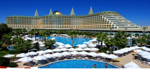 - (Urlaub, Reise, Hotel)