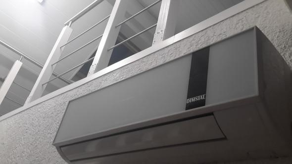 hat jemand erfahrungen mit einer dimstal klimaanlage. Black Bedroom Furniture Sets. Home Design Ideas