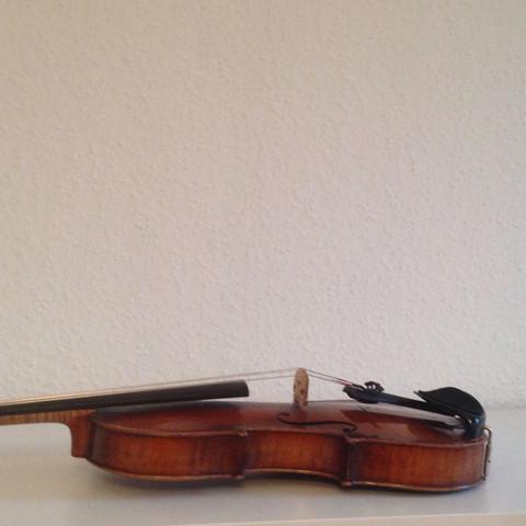 Die Seite sind eckig - (Geige, Geigenbauer)