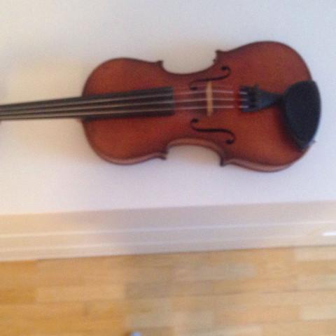 180 Jahre alt - (Geige, Geigenbauer)