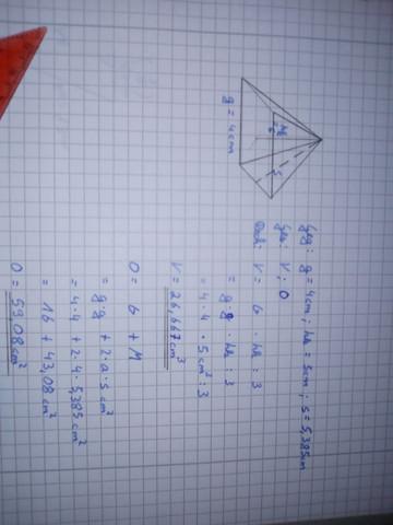- (Mathe, pyramide, Ausrechnen)