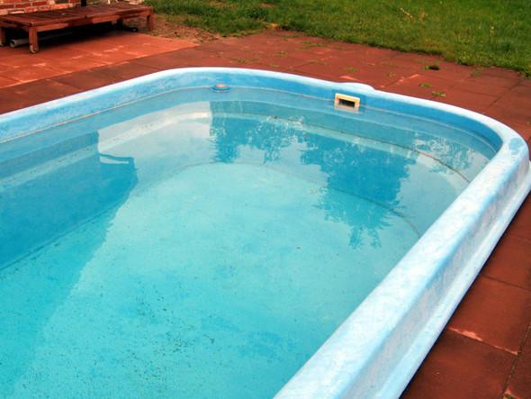 macht sich ein eigener pool bezahlt garten. Black Bedroom Furniture Sets. Home Design Ideas