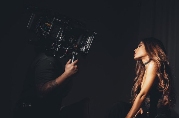 sooooo hübsch  - (Ariana Grande, ari)