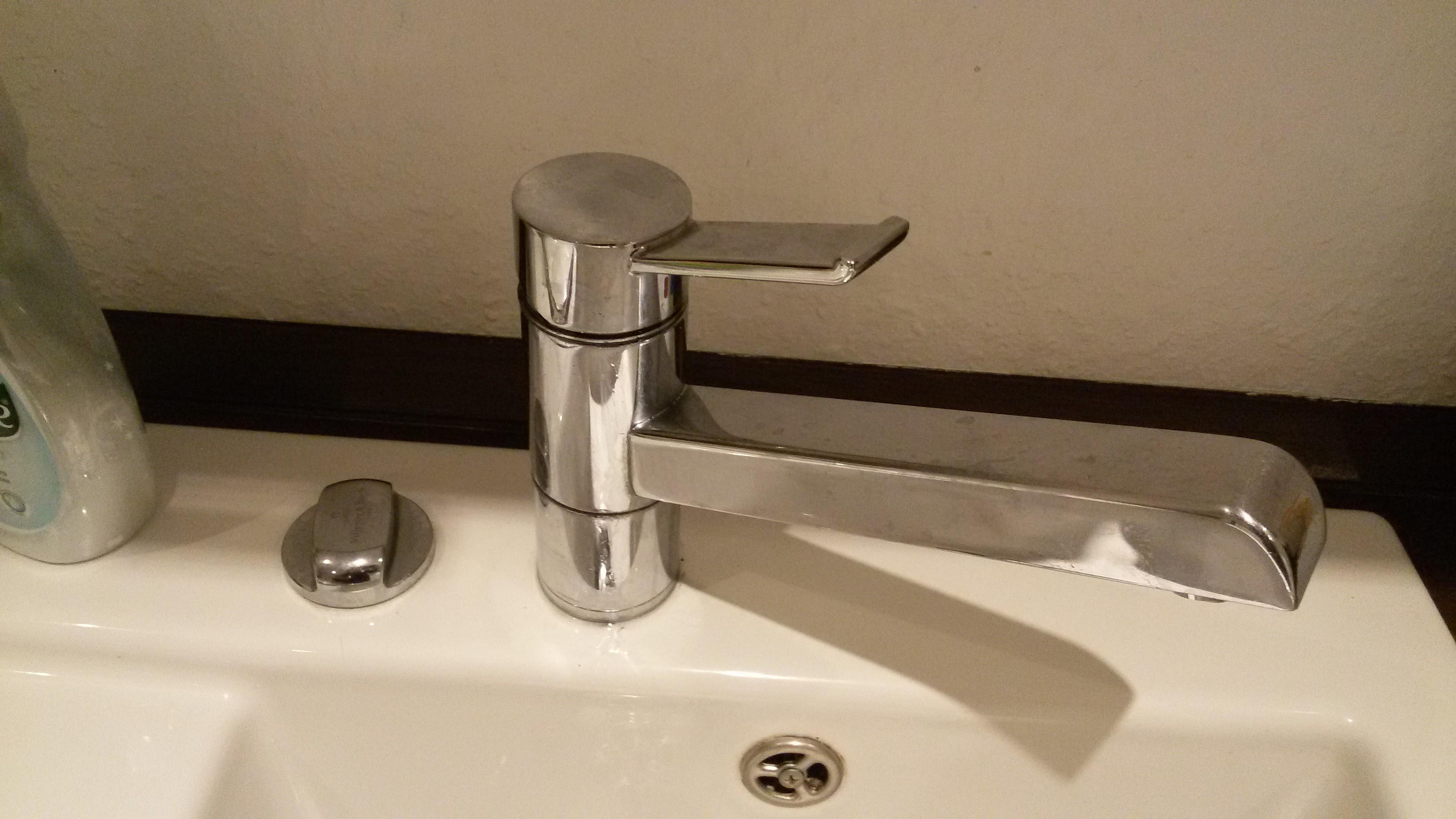 was bedeutet es wenn ein wasserhahn hakt sanit r armatur. Black Bedroom Furniture Sets. Home Design Ideas