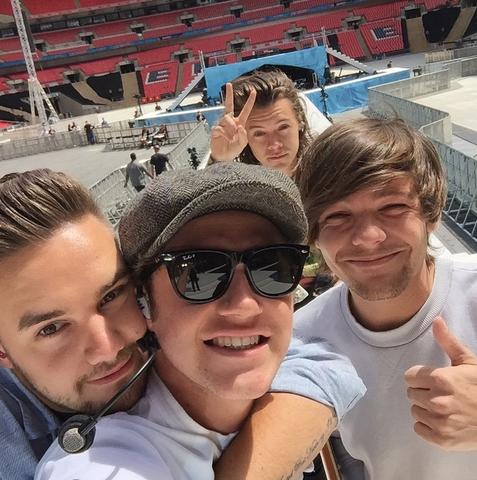 - (One Direction, Fan, Wattpad)