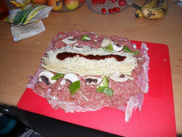 Als Füllunge gehen Nudel, Käse, Spargel etc - (essen, Grill, barbecue)