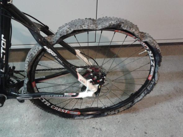 Reifenpanne mit tubeless - (Schule, Sport, Fahrrad)