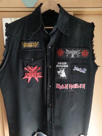 Frontseite - (Kleidung, Metal)