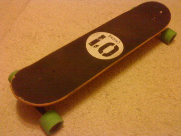 - (Skateboard, longboard, Snowboard)