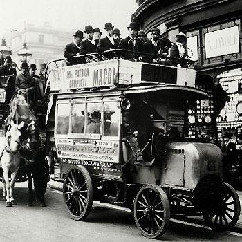 1899: offener Doppeldecker in London - (London, london-busse, rote-busse-london)