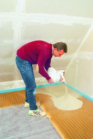 Zum Ausgleichen großer Unebenheiten geeignet: Trockenschüttzung im Wabenbett. - (heimwerken, Renovierung, Boden)