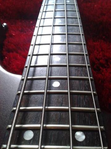 Griffbrett - (Gitarre, Bass)
