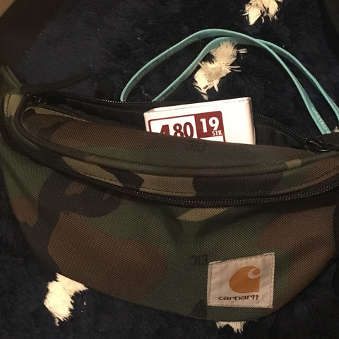 Tasche - (Kleidung, Ordnung)