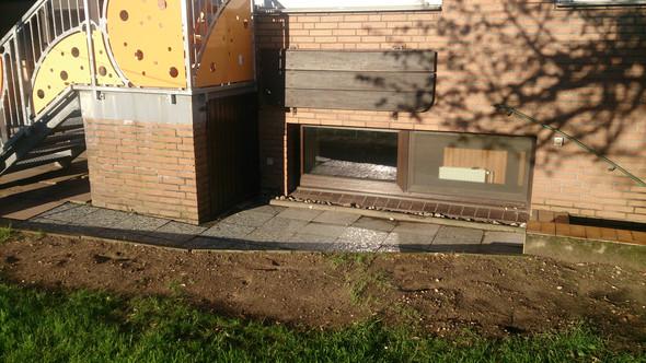 - (Garten, bauen, Terrasse)